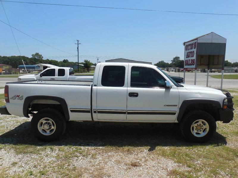2001 Chevrolet Silverado 2500HD for sale at OTTO'S AUTO SALES in Gainesville TX