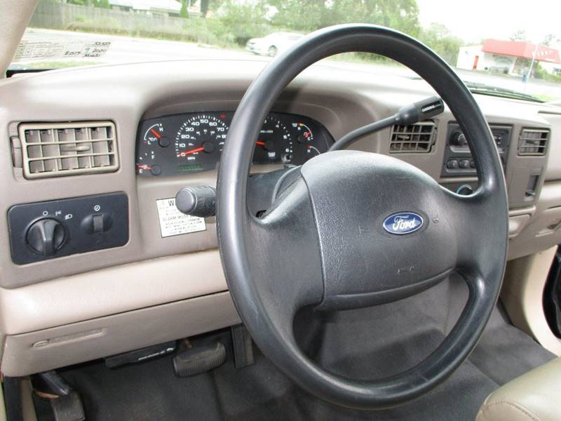 2004 Ford F-250 Super Duty 4X2 2dr Regular Cab 137 in. WB - Levittown PA