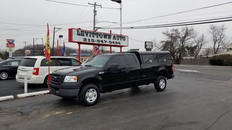 2005 Ford F-150 4dr SuperCab XL 4WD Styleside 8 ft. LB - Levittown PA