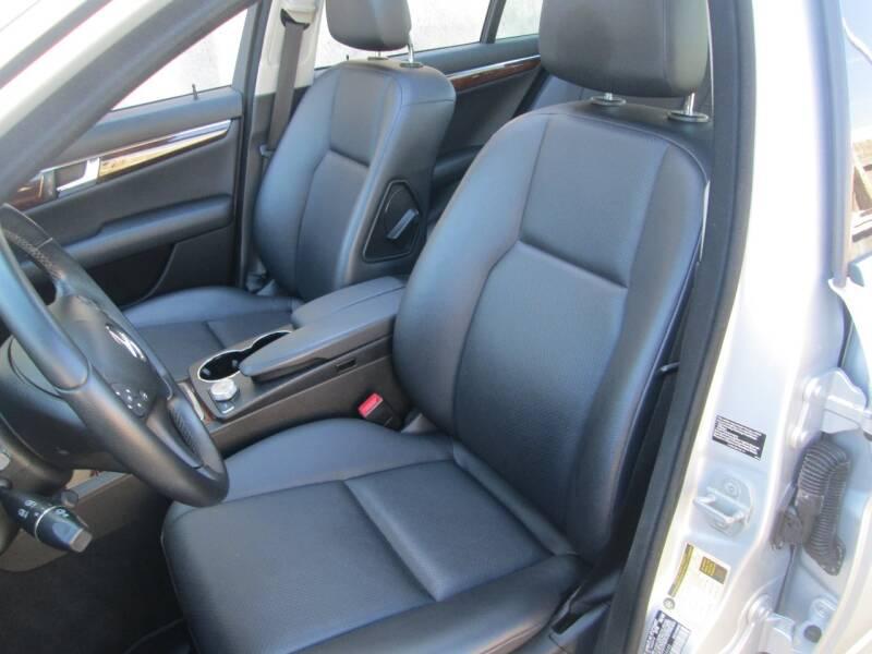 2010 Mercedes-Benz C-Class AWD C 300 Luxury 4MATIC 4dr Sedan - Levittown PA
