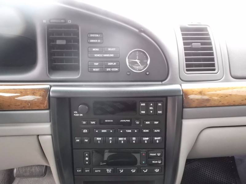 2002 Lincoln Continental for sale at Eagle Motors in Decatur TX