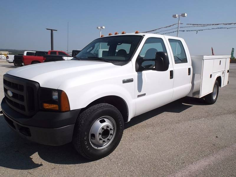 2006 Ford F-350 Super Duty for sale at Eagle Motors in Decatur TX