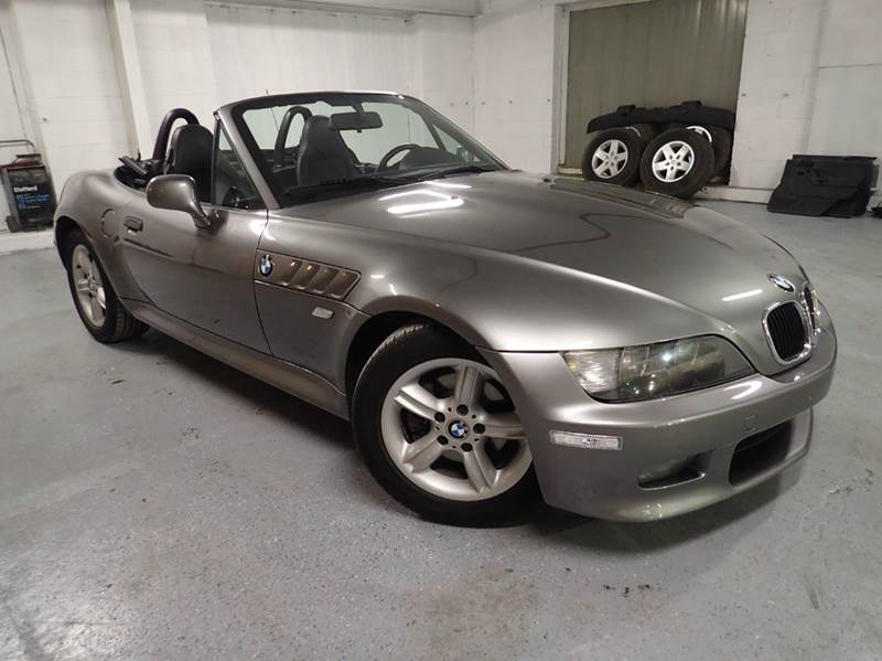 2001 BMW Z3 for sale at OUTBACK AUTO SALES INC in Chicago IL