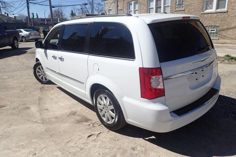 2015 Chrysler Town and Country Touring 4dr Mini-Van - Chicago IL