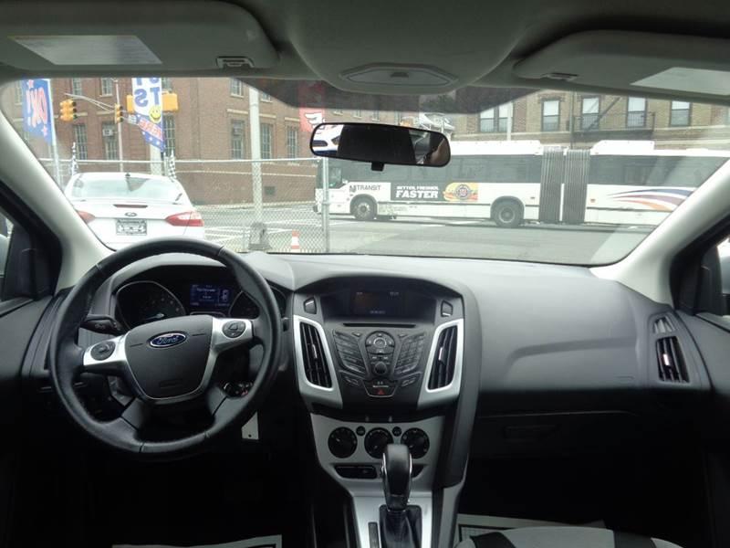 2014 Ford Focus SE 4dr Sedan - Irvington NJ