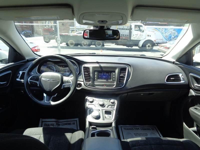 2015 Chrysler 200 Limited 4dr Sedan - Irvington NJ