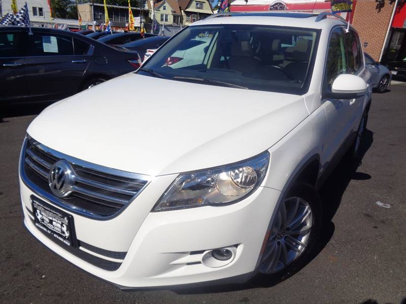 2011 Volkswagen Tiguan for sale at Foreign Auto Imports in Irvington NJ