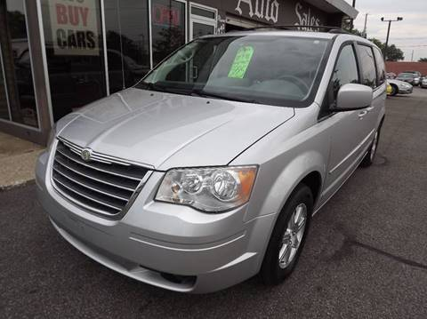 2008 Chrysler Town and Country for sale in Eastlake, OH