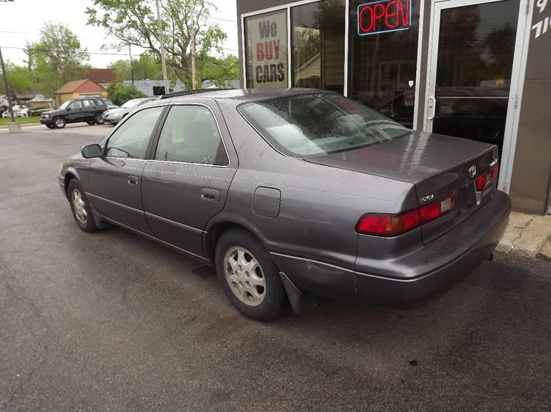 1999 Toyota Camry LE 4dr Sedan - Eastlake OH