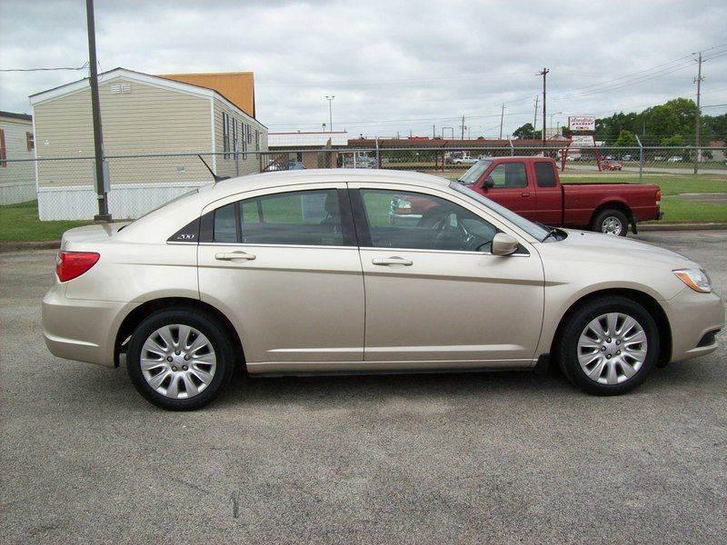 2014 Chrysler 200 LX 4dr Sedan - Baytown TX