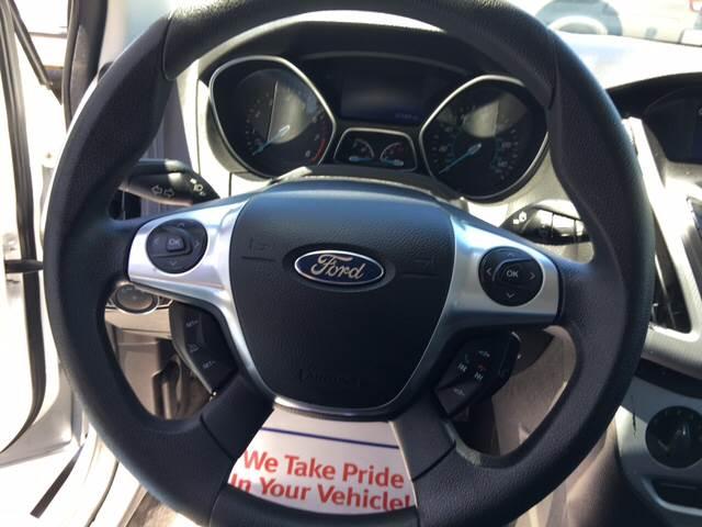 2013 Ford Focus SE 4dr Sedan - Merced CA