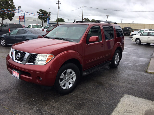 Exceptional 2005 Nissan Pathfinder LE 4dr SUV   Merced CA