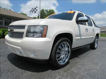 2008 Chevrolet Avalanche for sale at D & J AUTO SALES in Joplin MO