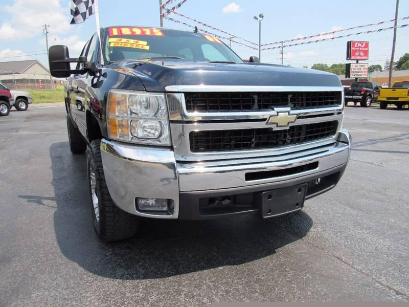 2008 Chevrolet Silverado 2500HD for sale at D & J AUTO SALES in Joplin MO
