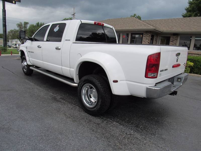 2006 Dodge Ram Pickup 3500 for sale at D & J AUTO SALES in Joplin MO