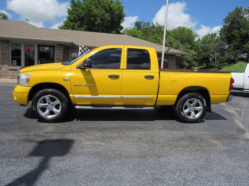 2007 Dodge Ram Pickup 1500 for sale at D & J AUTO SALES in Joplin MO