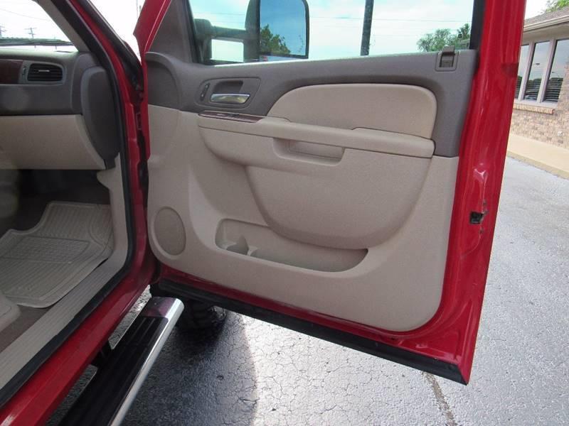 2011 Chevrolet Silverado 2500HD for sale at D & J AUTO SALES in Joplin MO