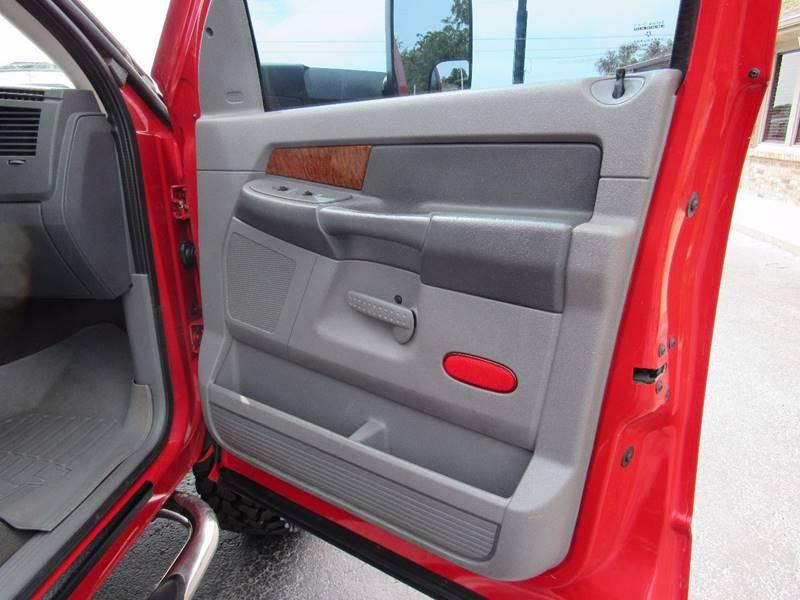 2006 Dodge Ram Pickup 2500 for sale at D & J AUTO SALES in Joplin MO