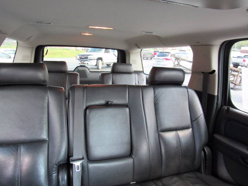 2008 Chevrolet Suburban for sale at D & J AUTO SALES in Joplin MO