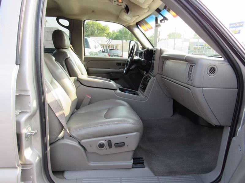 2006 Chevrolet Silverado 3500 for sale at D & J AUTO SALES in Joplin MO