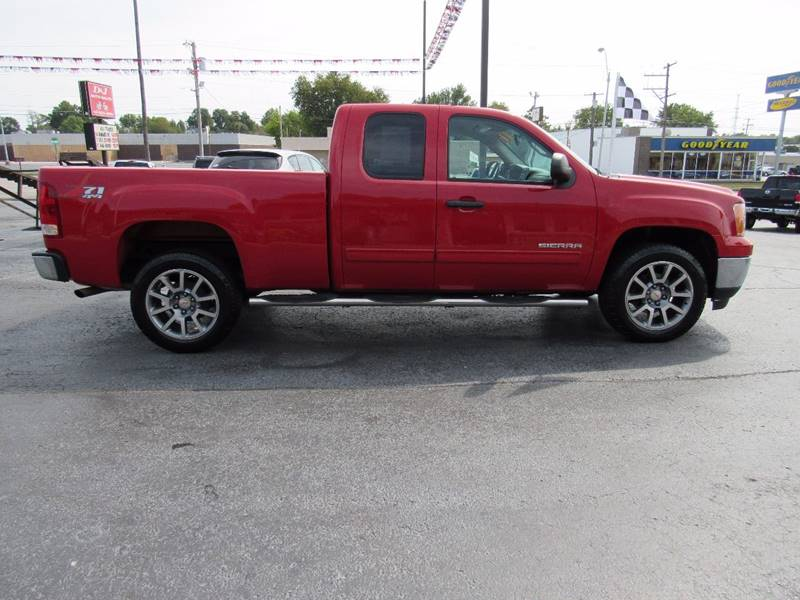 2011 GMC Sierra 1500 for sale at D & J AUTO SALES in Joplin MO
