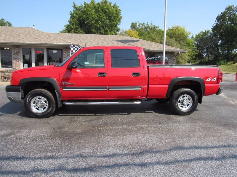 2004 Chevrolet Silverado 2500HD for sale at D & J AUTO SALES in Joplin MO