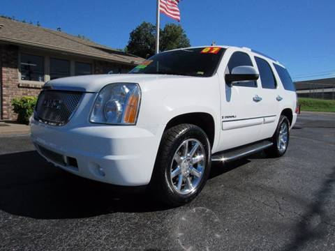 2007 GMC Yukon for sale at D & J AUTO SALES in Joplin MO