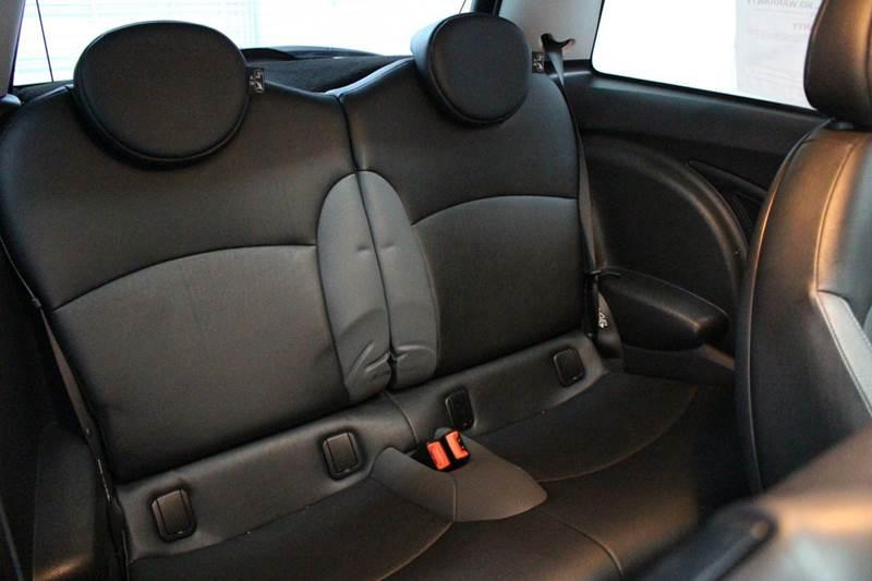 2009 MINI Cooper S 2dr Hatchback - San Antonio TX