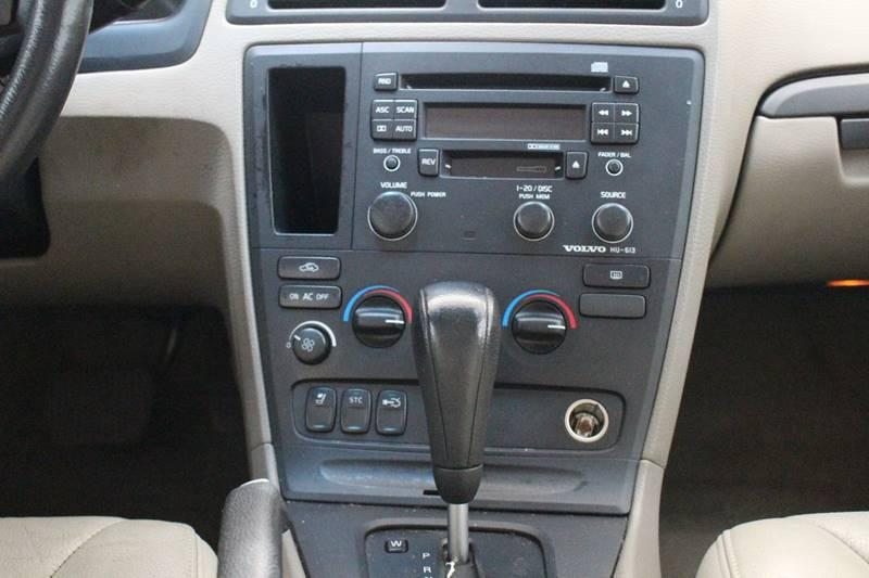 2004 Volvo S60 2.4 4dr Sedan - San Antonio TX