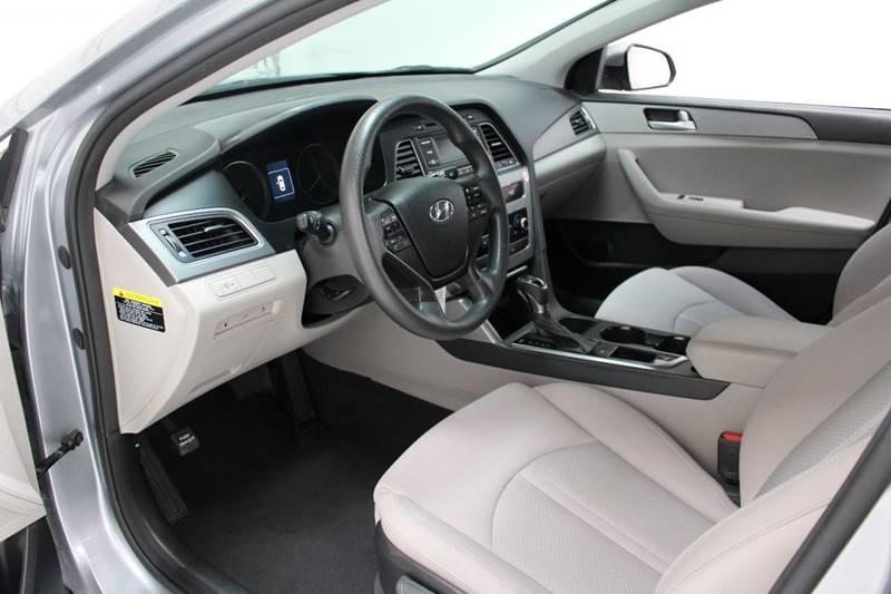 2015 Hyundai Sonata SE 4dr Sedan - San Antonio TX
