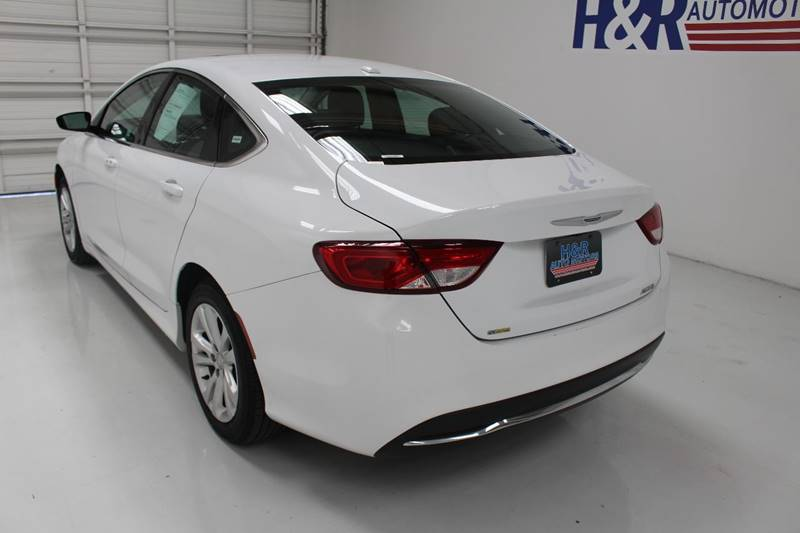 2015 Chrysler 200 Limited 4dr Sedan - San Antonio TX