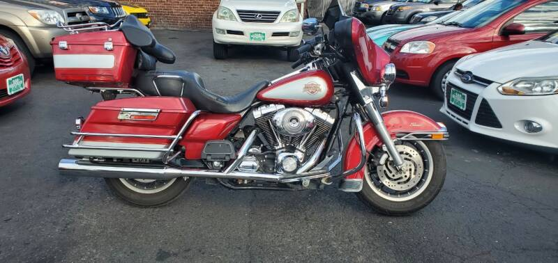 2004 Harley-Davidson FLHTCI for sale at Kar Connection in Little Ferry NJ