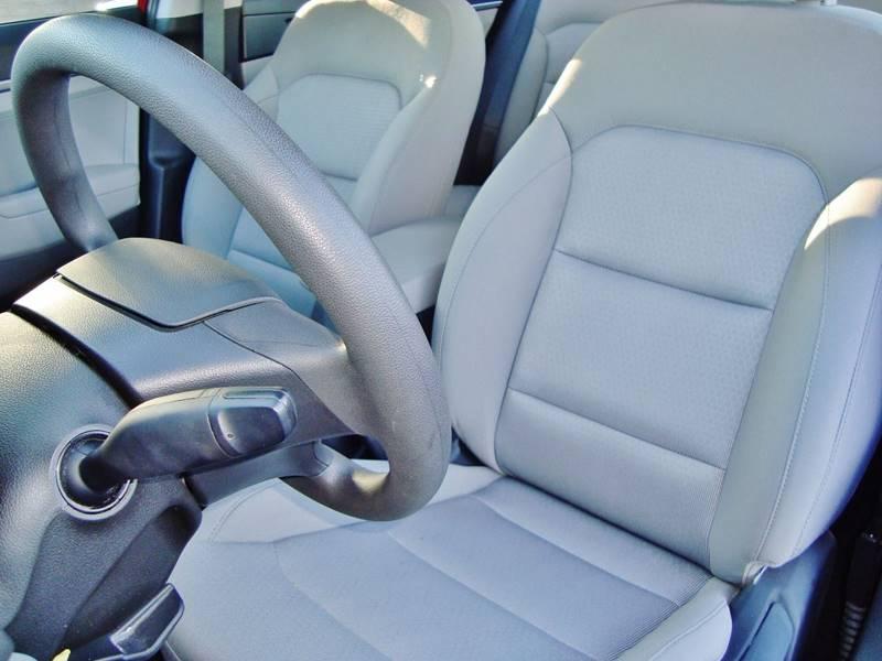 2017 Hyundai Elantra SE PZEV (US)