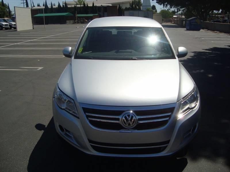 2010 Volkswagen Tiguan SE 6A