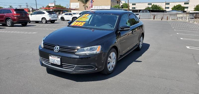2013 Volkswagen Jetta SE PZEV 6A Convenience and Sunroof (ends 1/13)