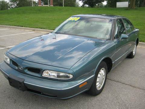1997 Oldsmobile Eighty-Eight for sale at Rick's Auto Clinic Inc. in Raytown MO