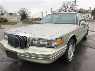1997 Lincoln Town Car for sale in Detroit, MI