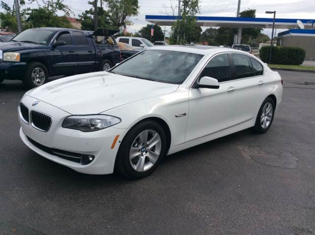 2013 BMW 5 SERIES 528I white executive motors is a family owned and operated dealership that prov