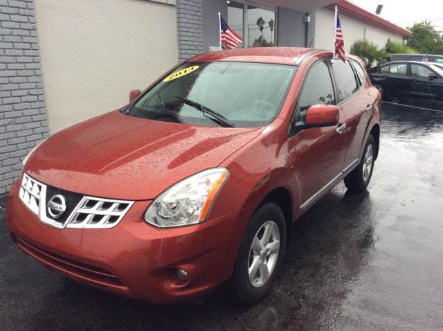 2013 NISSAN ROGUE SV WSL PACKAGE burgundy executive motors is a family owned and operated dealer