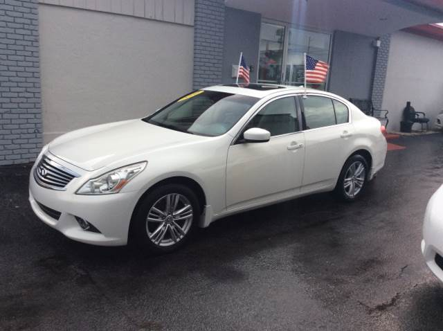 2010 INFINITI G37 SEDAN X ANNIVERSARY EDITION white executive motors is a family owned and operat