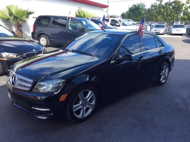 2011 MERCEDES-BENZ C-CLASS C300 LUXURY 4DR SEDAN black executive motors is a family owned and ope