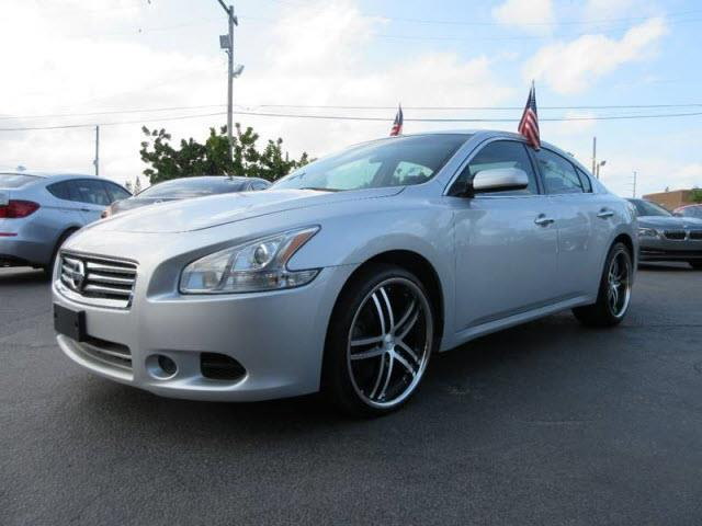 2012 NISSAN MAXIMA 35 S 4DR SEDAN silver executive motors is a family owned and operated dealers
