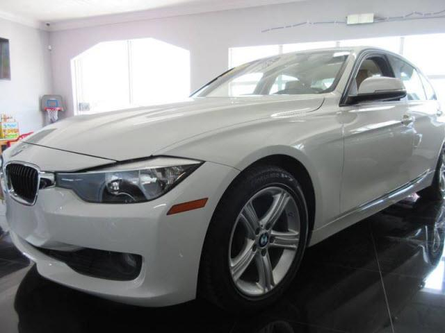 2013 BMW 3 SERIES 320I 4DR SEDAN white executive motors is a family owned and operated dealership