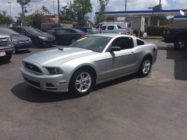 2013 FORD MUSTANG V6 2DR COUPE unspecified 2-stage unlockingabs brakes 4-wheeladjustable rear