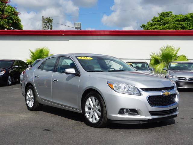 2016 CHEVROLET MALIBU LIMITED LTZ 4DR SEDAN silver very clean car almost new 6137 miles  all o