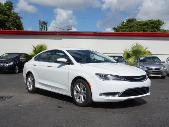 2016 CHRYSLER 200 LIMITED 4DR SEDAN white all our cars and trucks are doubled checked for you to