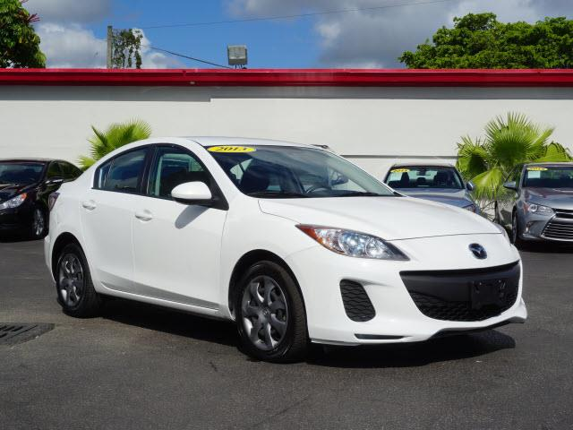 2013 MAZDA MAZDA3 I SPORT 4DR SEDAN 6A white all our cars and trucks are doubled checked for you