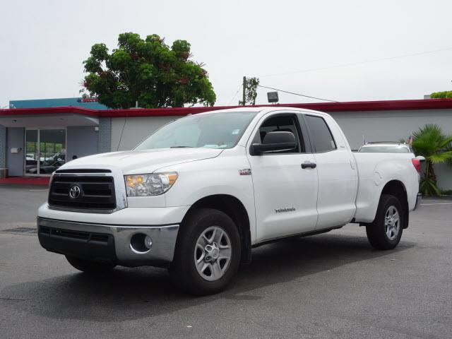 2012 TOYOTA TUNDRA GRADE 4X2 4DR DOUBLE CAB PICKUP white abs - 4-wheel airbag deactivation - pas
