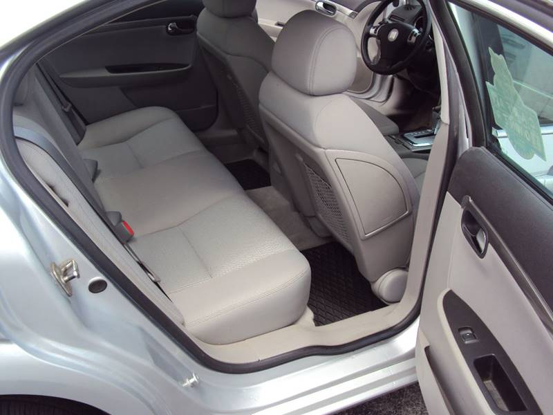 2009 Saturn Aura XE 4dr Sedan - Clinton Twp MI