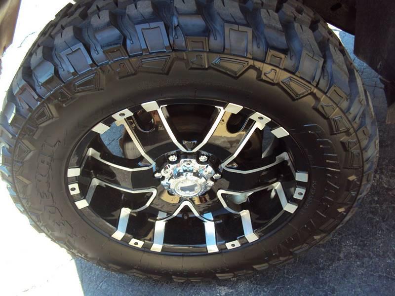 2012 Chevrolet Avalanche 4x4 LT 4dr Crew Cab Pickup - Clinton Twp MI